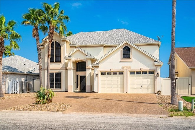 2-Story House In Mustang Padre Island