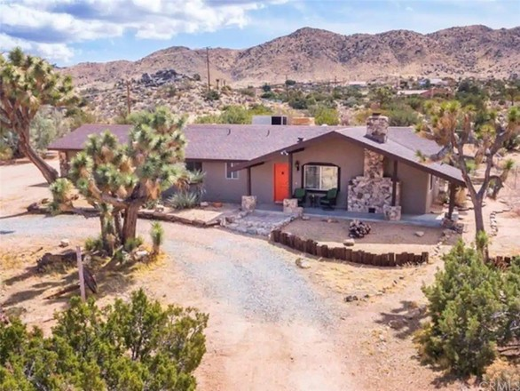 1-Story House In Yucca Valley