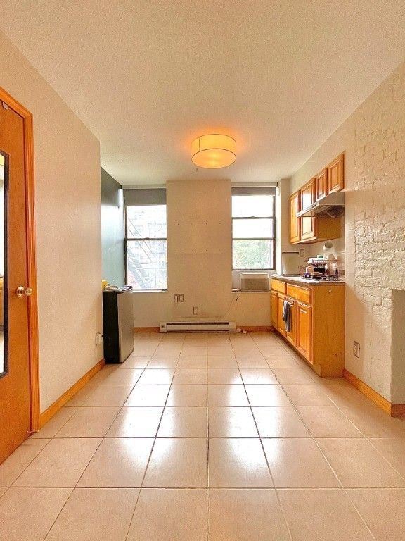 Updated 1-Bedroom House In Chinatown