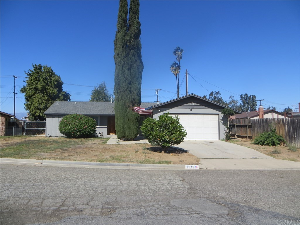 3-Bedroom House In Norco Farms