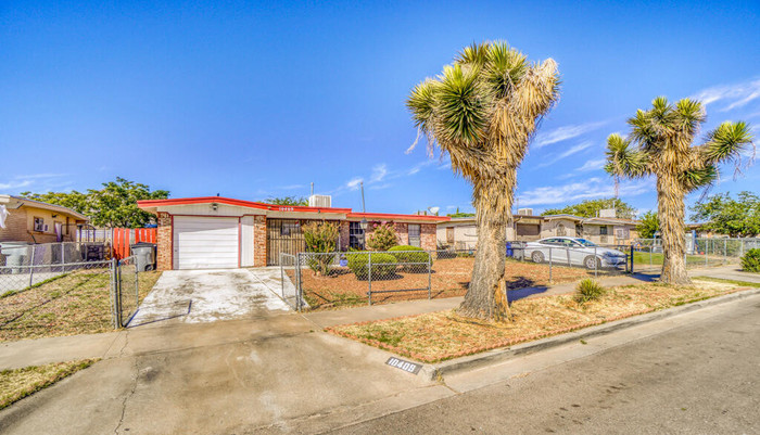 Updated 3-Bedroom House In Apollo Heights East