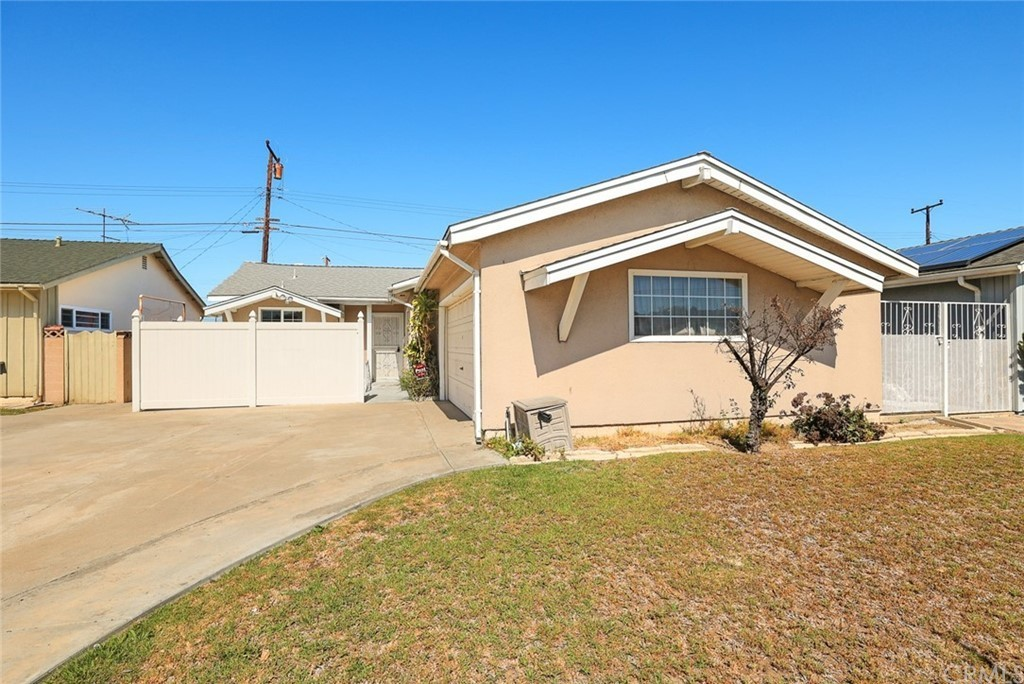3-Bedroom House In West Carson
