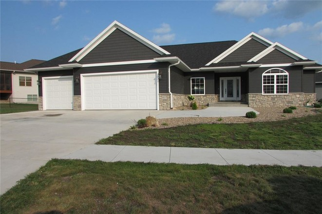 5-Bedroom House In Hoover Trail