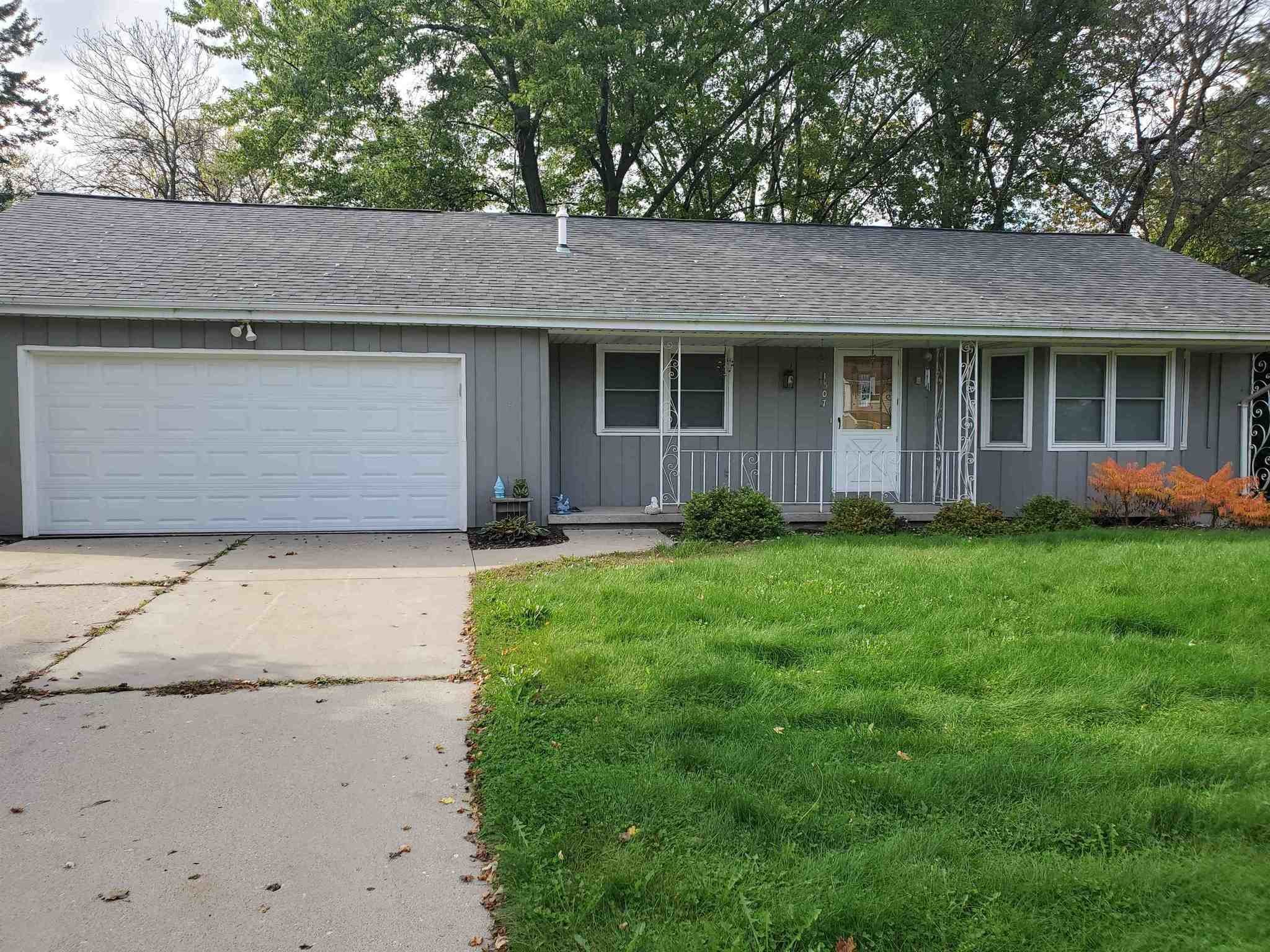 Remodeled 4-Bedroom House In Smith Park