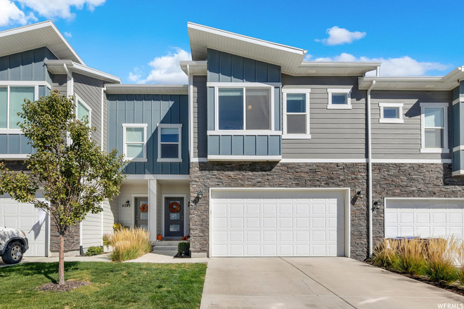3-Bedroom Townhouse In Eagle Mountain