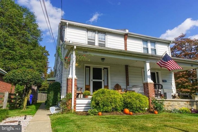 2-Bedroom House In Ashmead Village