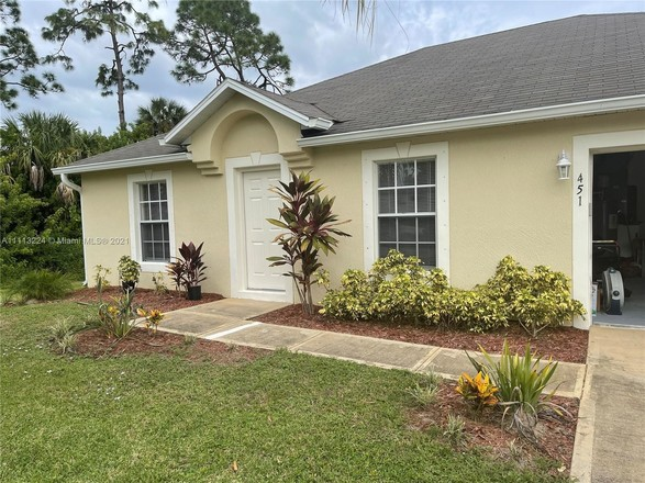 1-Story House In Palm Bay
