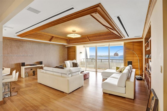 Penthouse In Northeast Coconut Grove