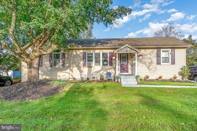 Updated 3-Bedroom House In Silver Spring