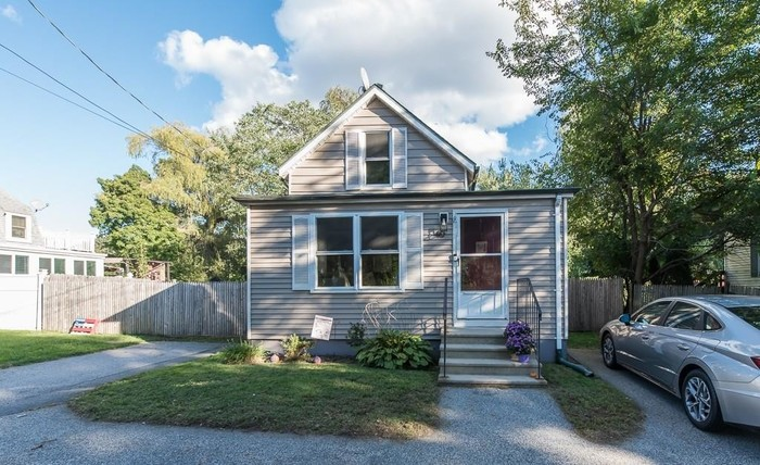 Remodeled 2-Bedroom House In Rocky Point