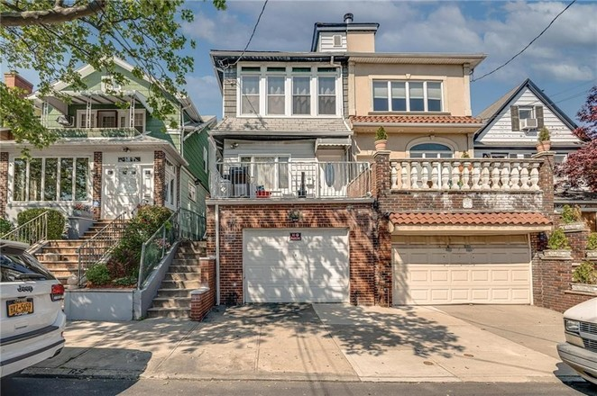 2-Story House In Dyker Heights