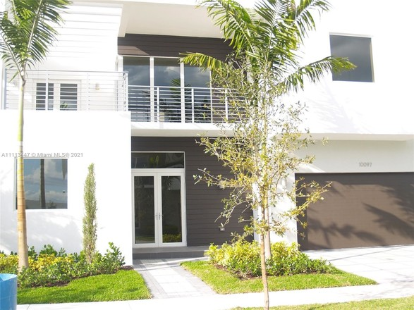 2-Story House In Doral