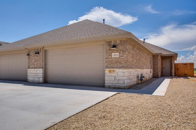 Multi-Family Home In Shallowater