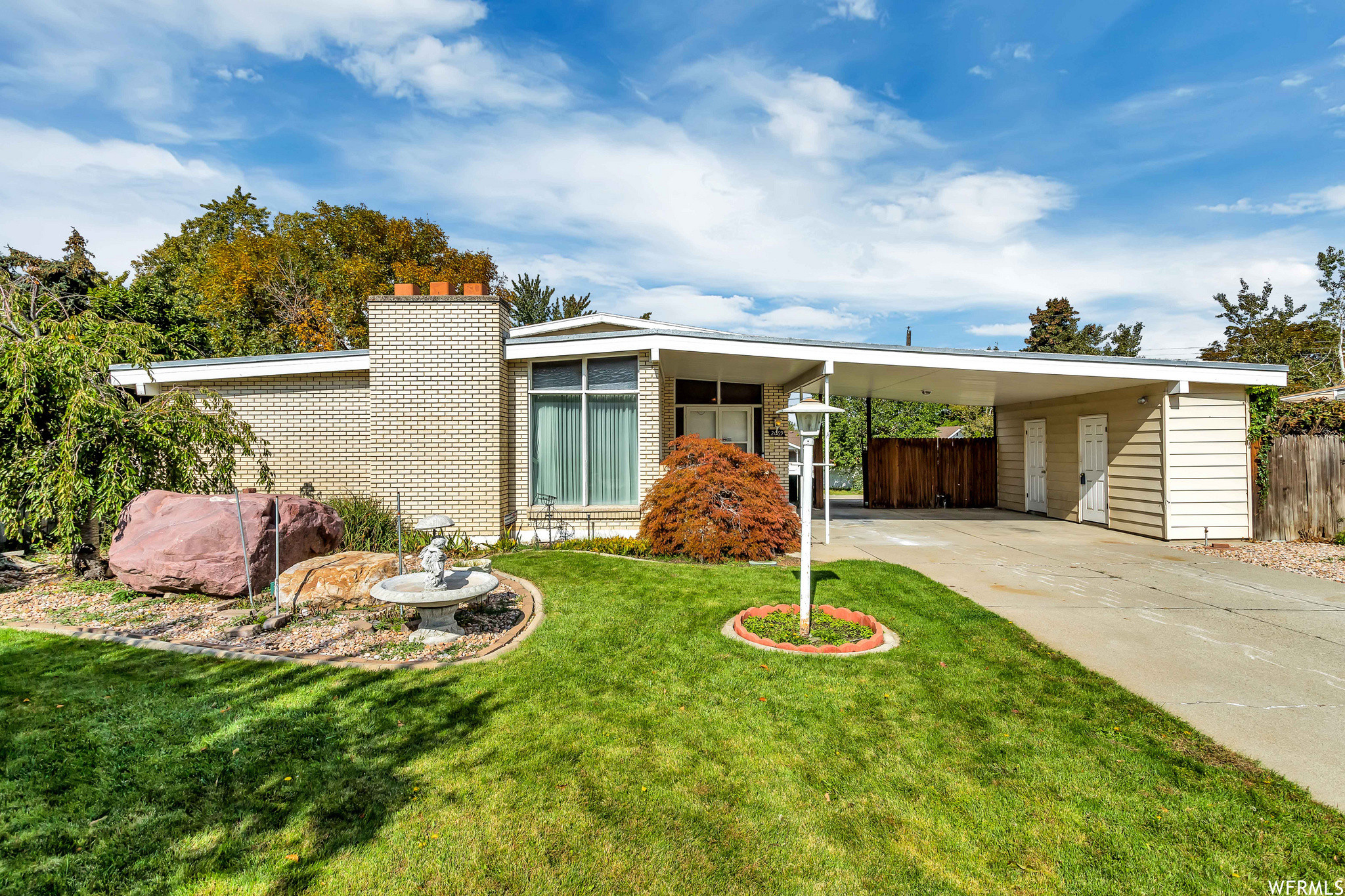 Upgraded 4-Bedroom House In North Cottonwood Heights