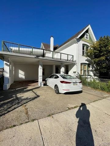 Updated 3-Bedroom House In South Bethlehem