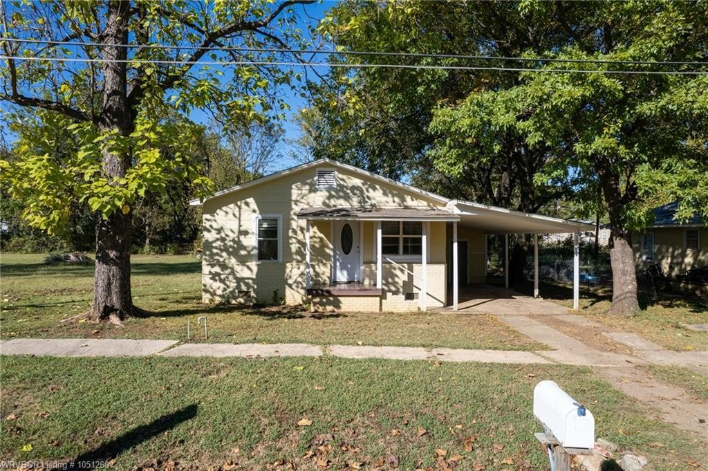 Updated 2-Bedroom House In Booneville