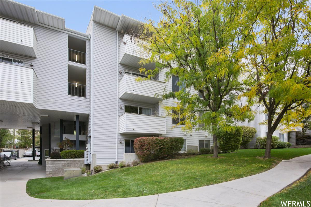 Upgraded 3-Bedroom Condo In East Central