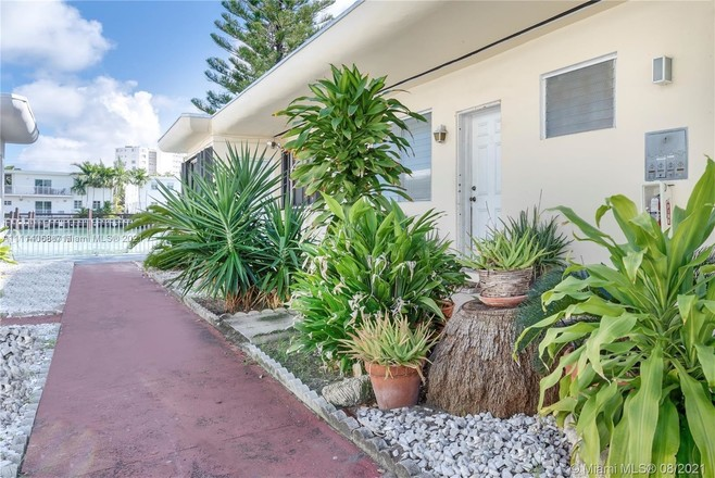 Remodeled 2-Bedroom House In Biscayne Beach