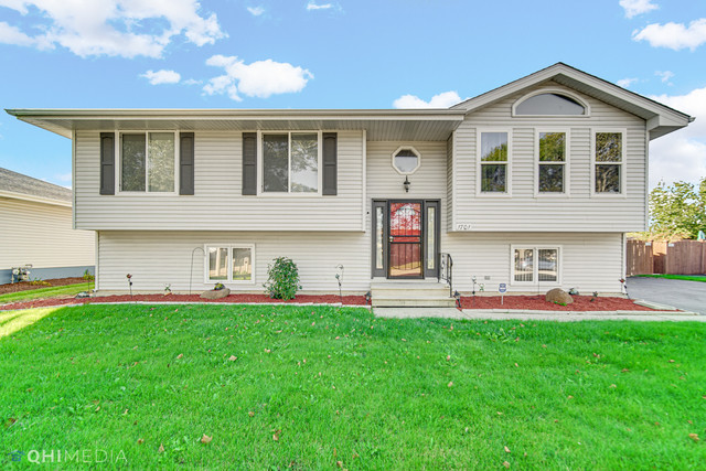 Remodeled 5-Bedroom House In Warwick