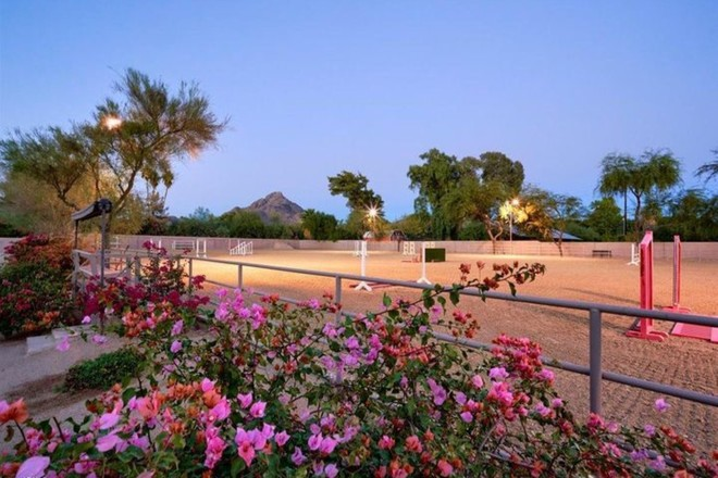 6-Bedroom House In Camelback East