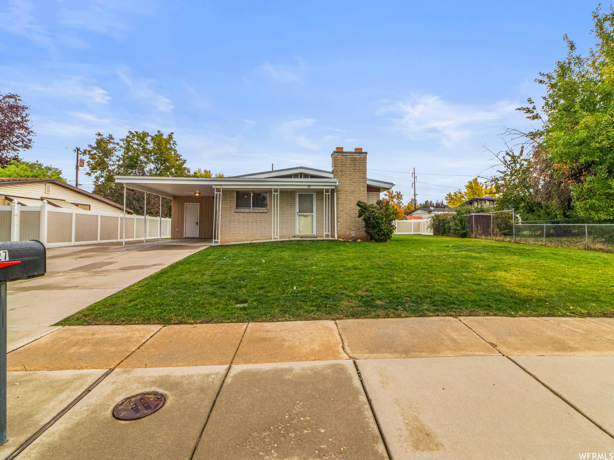 Refinished 4-Bedroom House In Diamond Hills