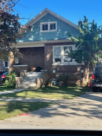 2-Bedroom House In South Maywood