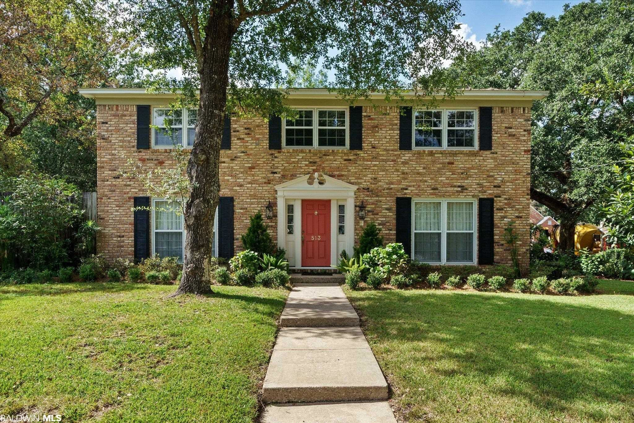 Stately 4-Bedroom House In College Park