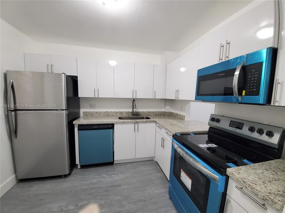 Renovated 2-Bedroom Condo In Carriage Hills