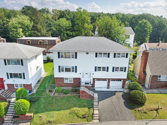 Multi-Family Home In Woodland Park