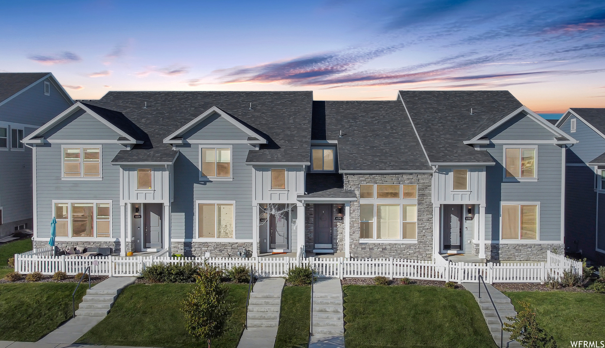 3-Story Townhouse In Terrace Hills