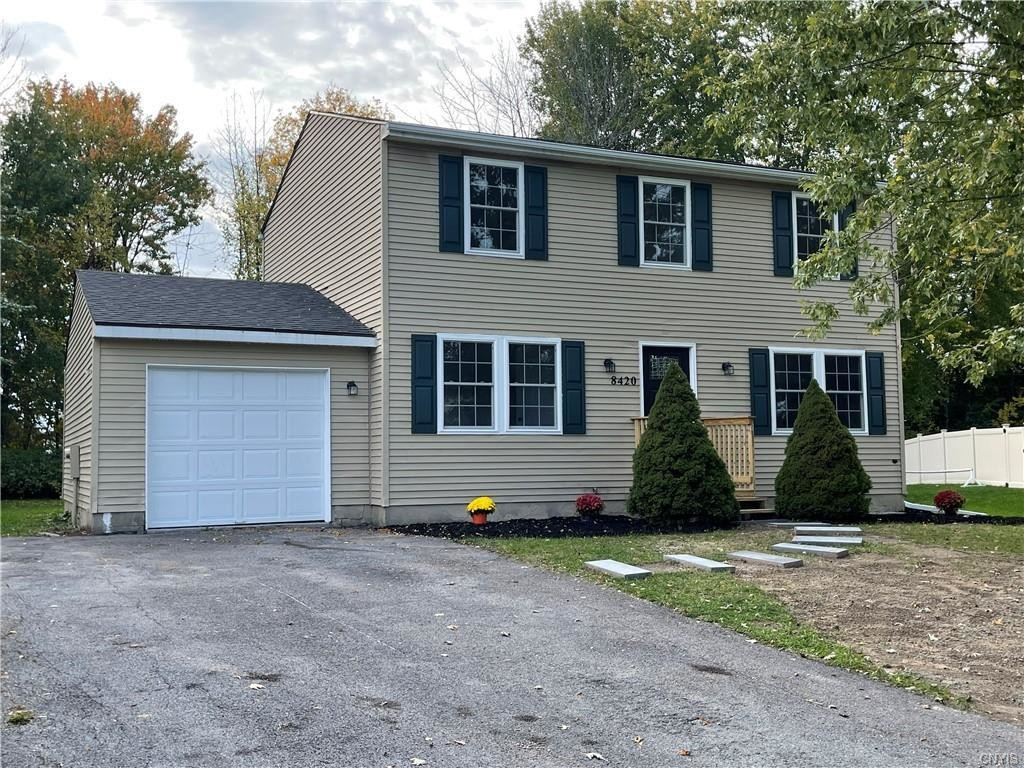 Updated 4-Bedroom House In Pine Gate