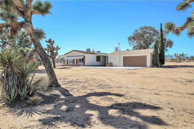 2-Bedroom MOBILE In Yucca Valley