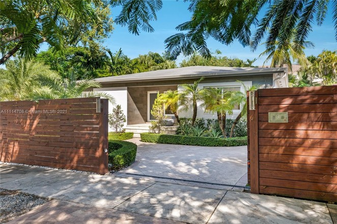 1-Story House In Northeast Coconut Grove