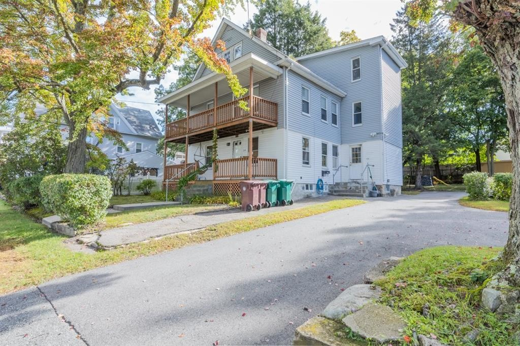 3-Story Multi-Family Home In Bernon District