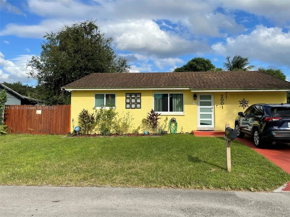 3-Bedroom House In Tropical Valley
