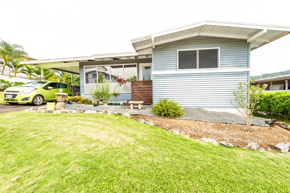 Remodeled 3-Bedroom House In Kaneohe
