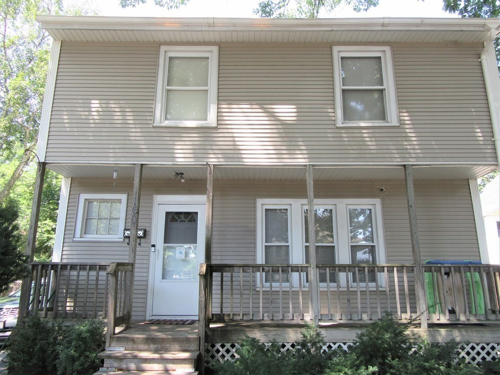Updated 4-Bedroom House In Forest Park