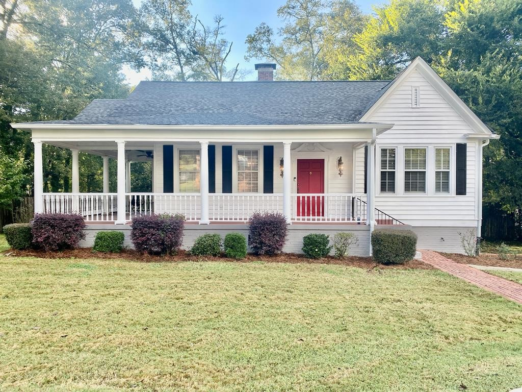 Renovated 4-Bedroom House In West Point