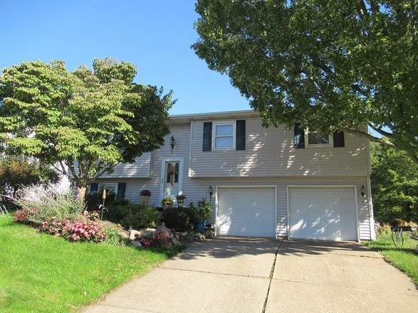 Remodeled 3-Bedroom House In Pinewood Estates