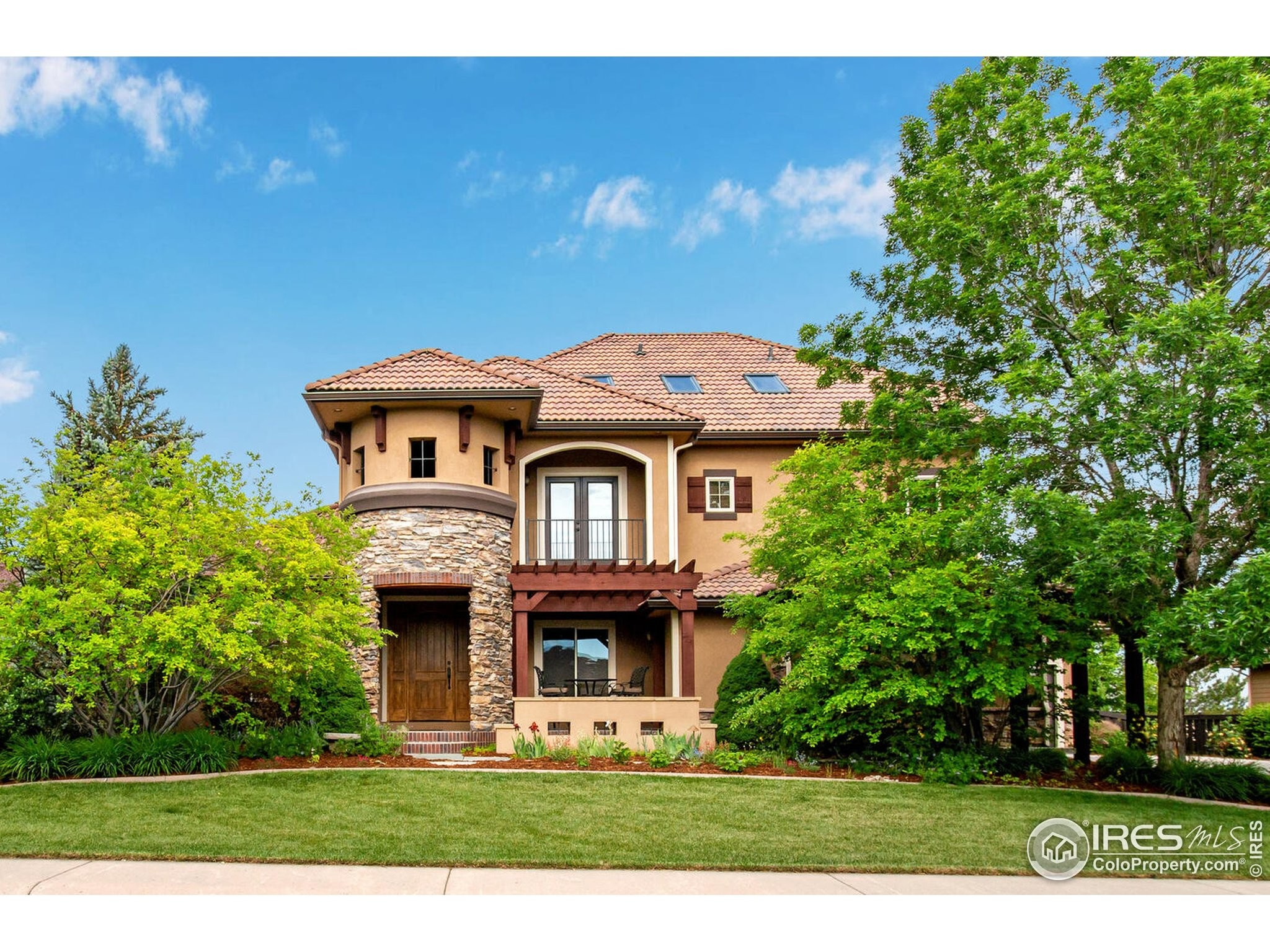 5-Bedroom House In Highland Meadows Golf Course