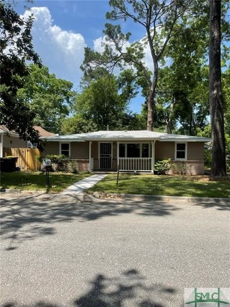 3-Bedroom House In Tremont Park