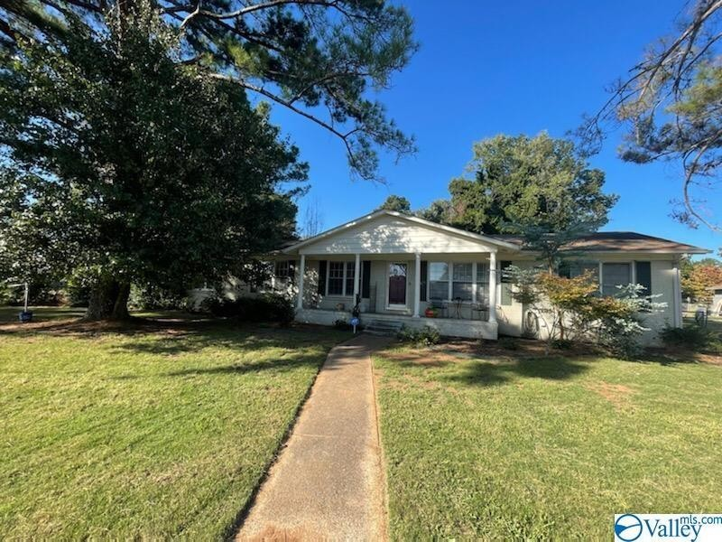 4-Bedroom House In Lily Flagg Acres