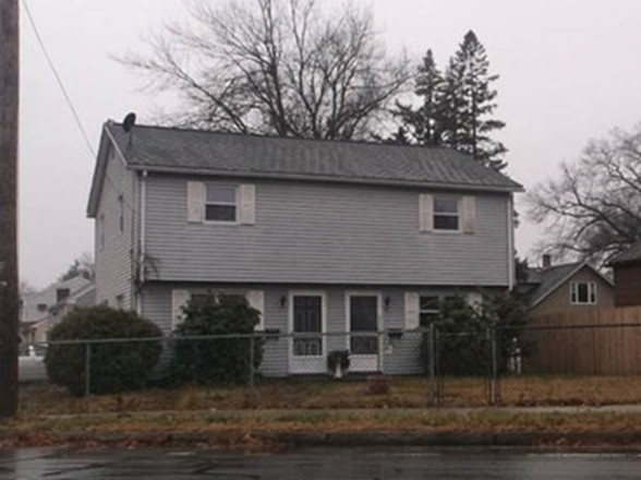 Updated 4-Bedroom House In Liberty Heights
