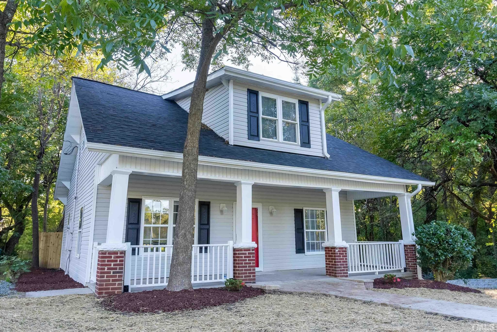 Renovated 4-Bedroom House In Durham