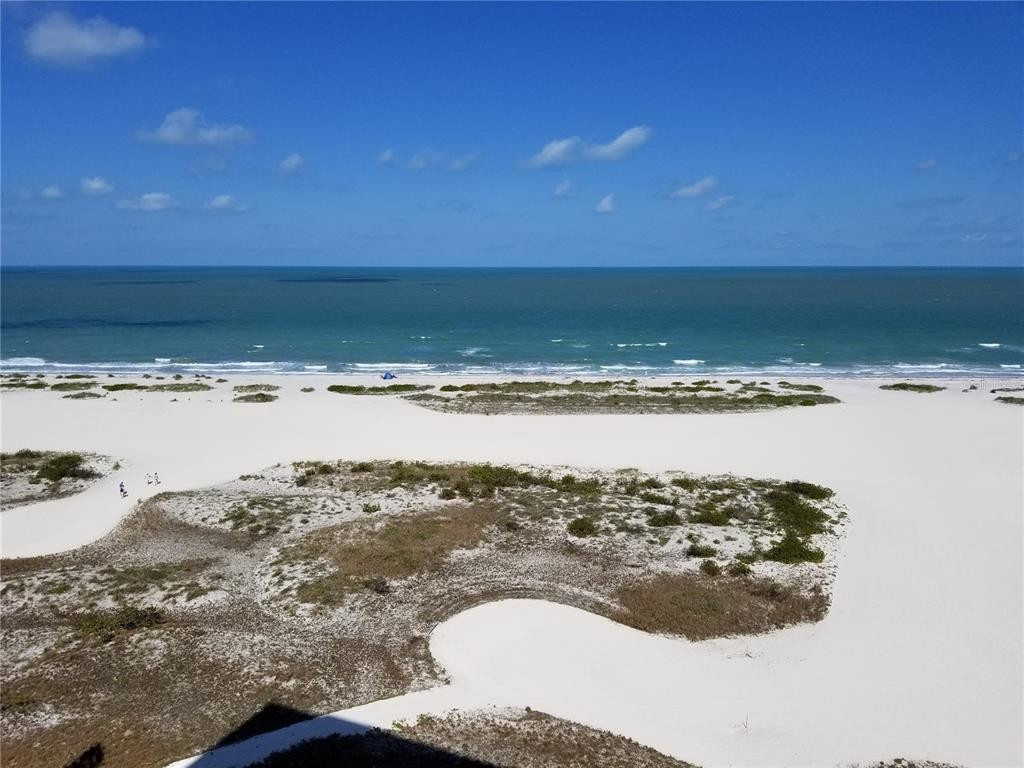 Updated 2-Bedroom House In Sand Key