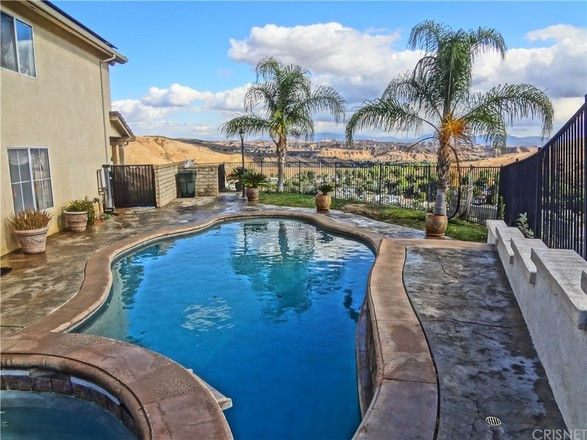 House In Castaic