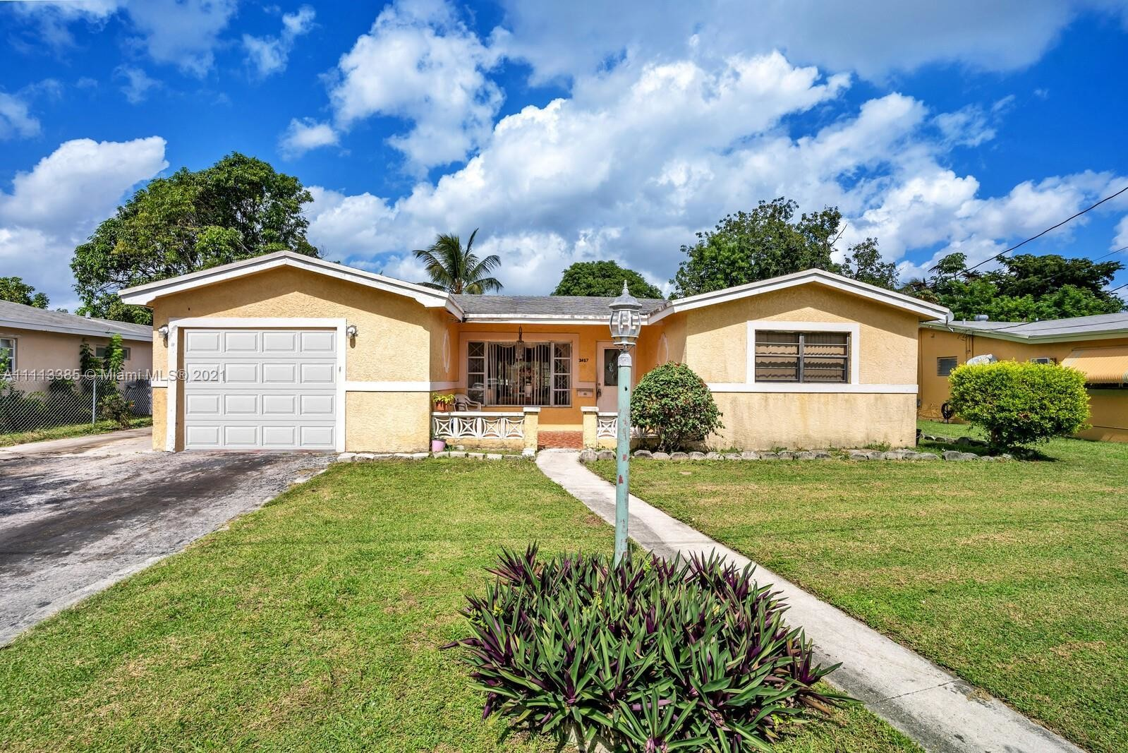 Updated 3-Bedroom House In Lauderdale Lakes North Gate
