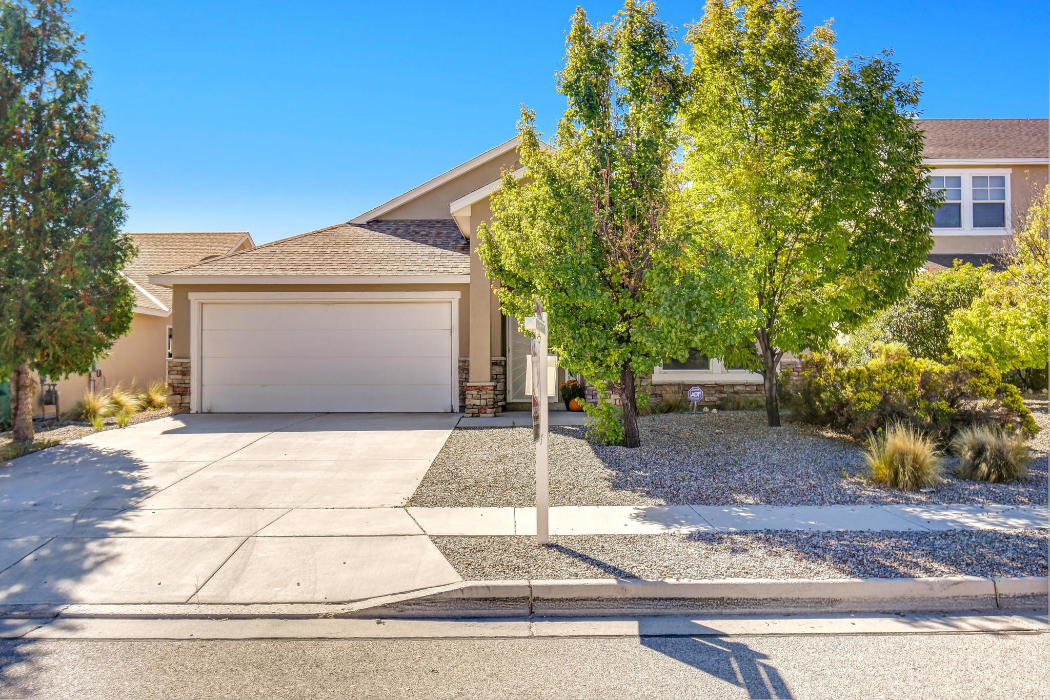 Upgraded 3-Bedroom House In Cabezon