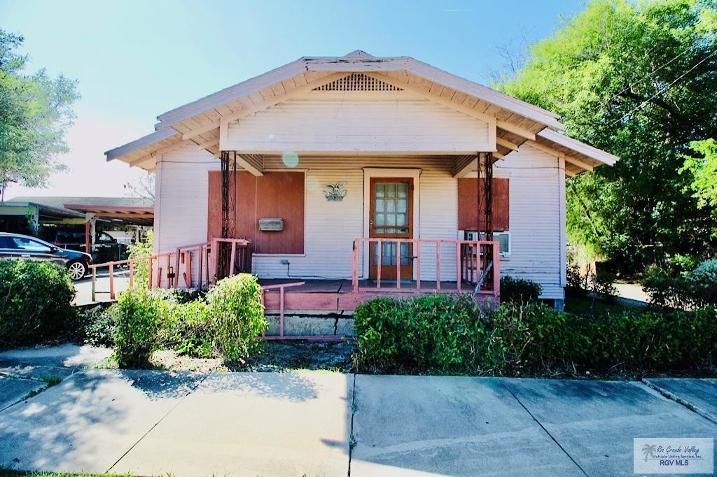 1-Story House In Downtown Brownsville