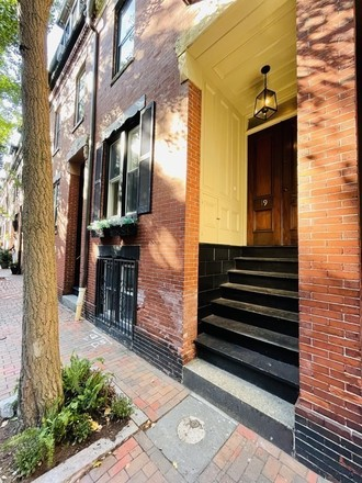 Renovated 3-Bedroom Condo In South End